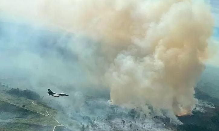 Inilah Foto Penampakan Karhutla Riau dari Pesawat Tempur