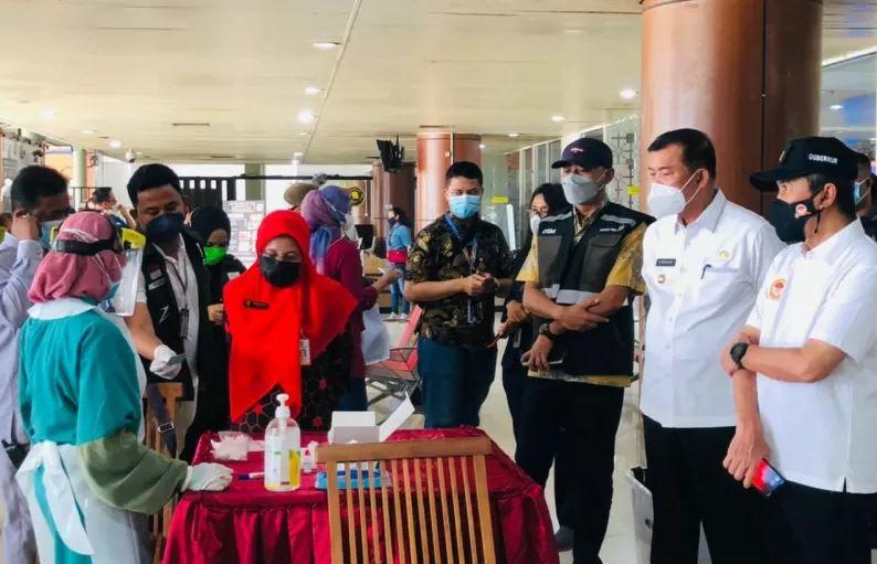 RT di Pekanbaru Pantau Pendatang, Wajib Tunjukan Surat Bebas COVID-19